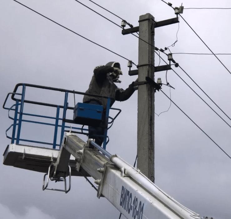 Подключение электроэнергии монтером